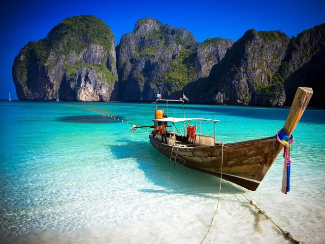Nager à Maya Bay